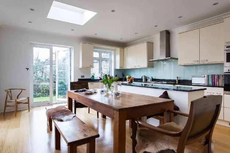 beautiful London Hardinge Road luxury apartment and holiday home