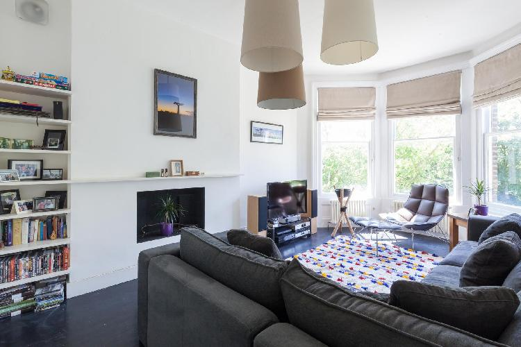 delightful London Elsworthy Terrace luxury apartment and vacation rental