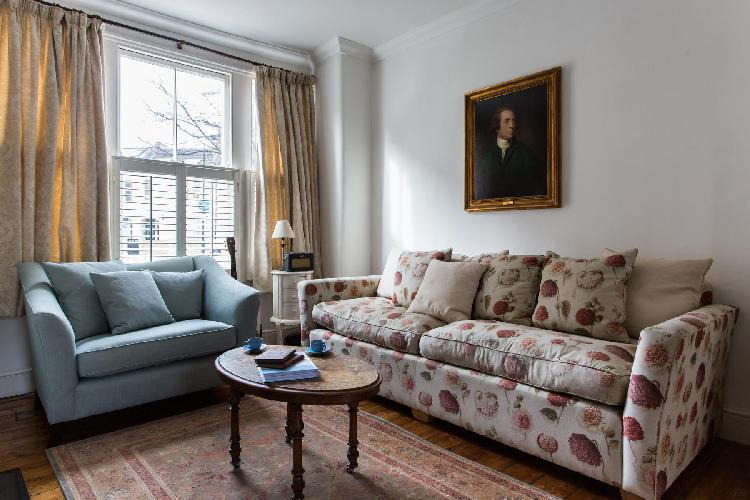 charming London Tynemouth Street luxury apartment and vacation rental
