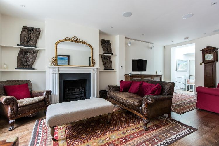 gorgeous living room of London Donne Place luxury apartment