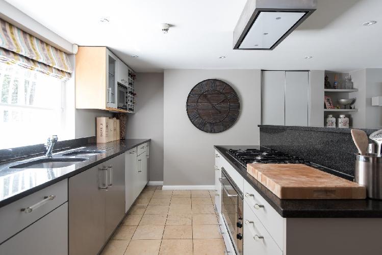spacious, well-appointed kitchen of London Drayton Gardens VII luxury apartment