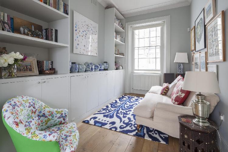 quiet sitting area in London Cambridge Street V luxury apartment