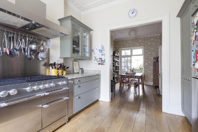 late-model kitchen appliances in London Cambridge Street V luxury apartment