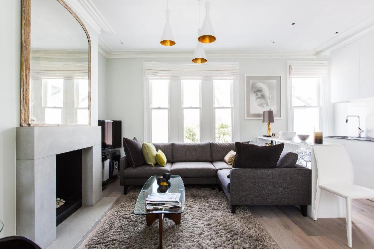 beautiful Inner London Disraeli Road luxury apartment and vacation rental in Wandsworth near East Pu