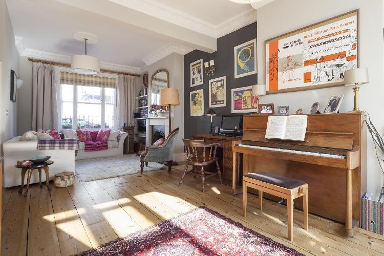 well-kept wooden flooring in the sitting area of London Ascham Street II luxury apartment