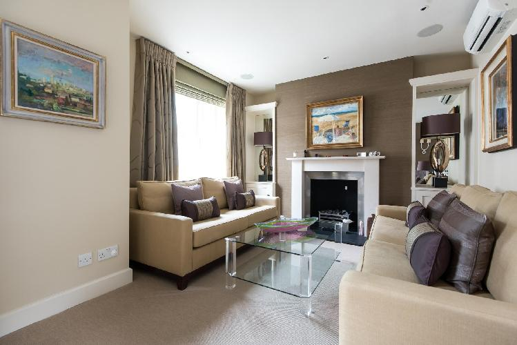 chic and charming London Campden Hill Gardens IV luxury apartment