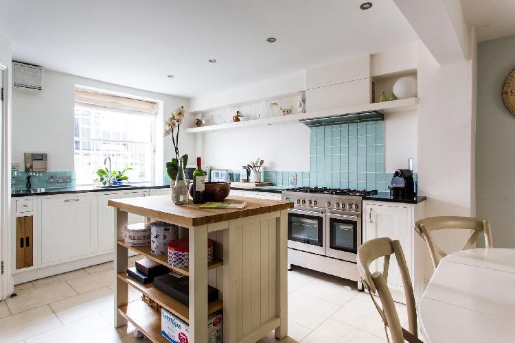 nice kitchen with island in London Queensdale Road IV luxury apartment