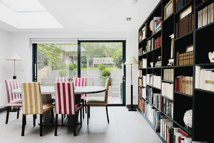 airy and sunny dining room in London Ceylon Road II luxury apartment