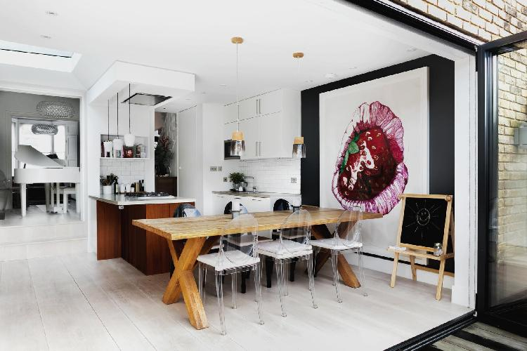 beautiful London Queen Anne Road luxury apartment