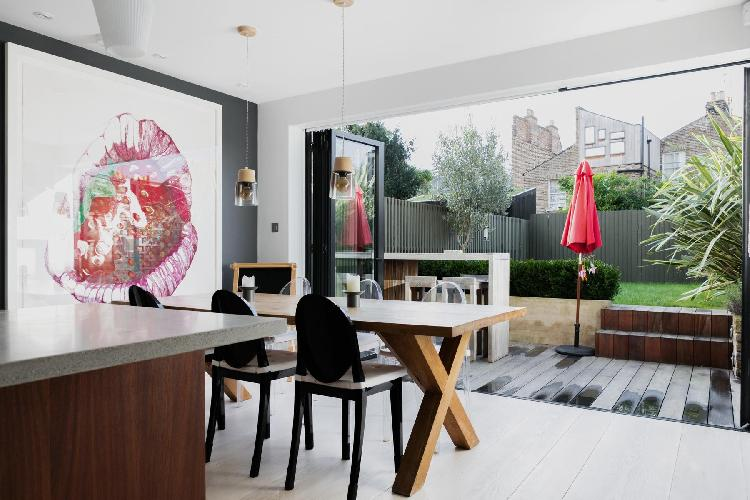 breezy and bright London Queen Anne Road luxury apartment and vacation rental