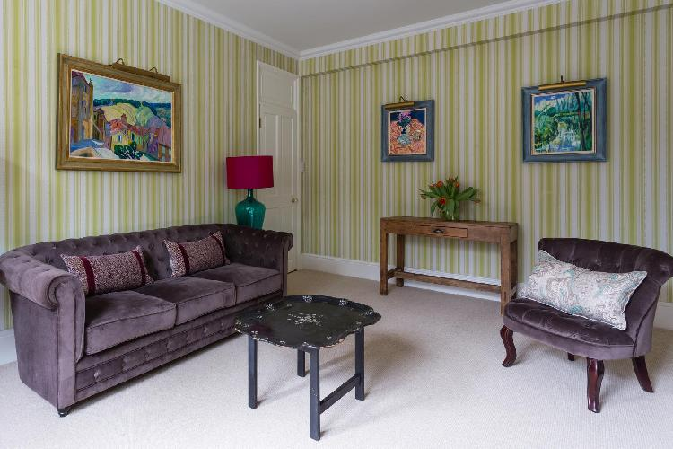 charming parlor in London Elm Park Gardens XI luxury apartment and vacation rental