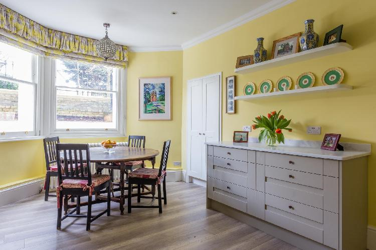 airy and sunny London Elm Park Gardens XI luxury apartment in Kensington and Chelsea