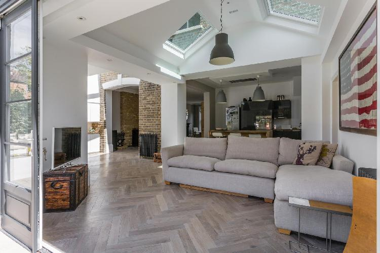 charming London Priory Road West luxury apartment and vacation rental
