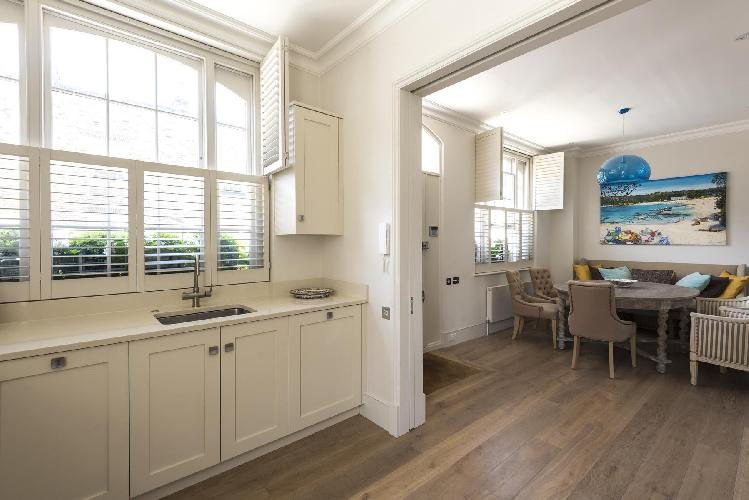 well-crafted kitchen cabinets of London - Bourne Street luxury apartment