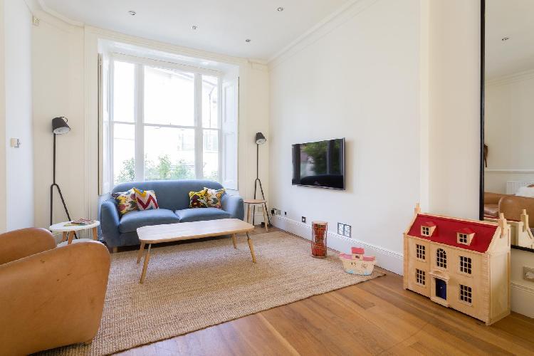 pretty living room of London Heath Villas luxury apartment