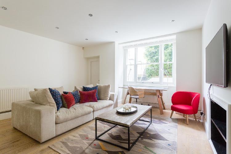chic and charming London Heath Villas luxury apartment