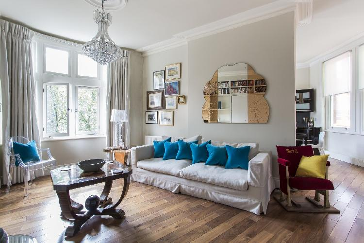 beautiful London Shaftesbury Avenue luxury apartment and holiday home