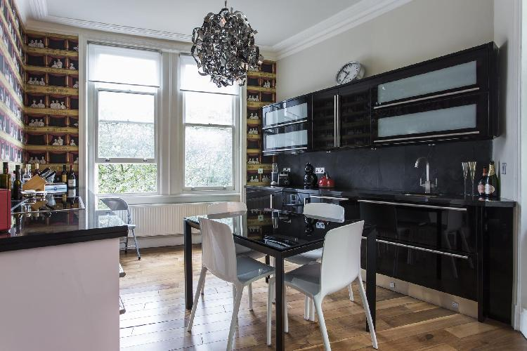 exquisite London Shaftesbury Avenue luxury apartment and vacation rental