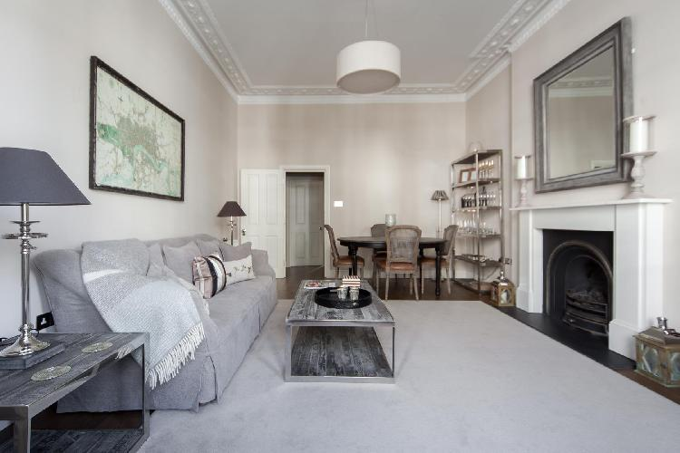 comfortable and clean London Cathcart Road IV luxury apartment