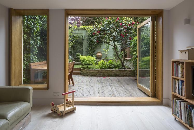 spacious London Vincent Terrace luxury apartment