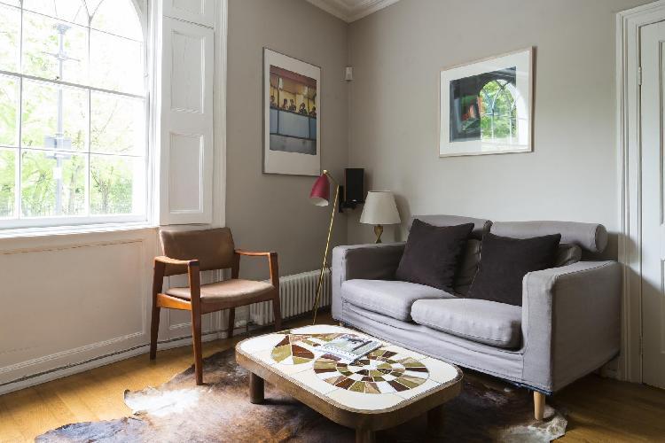 cozy London Vincent Terrace luxury apartment