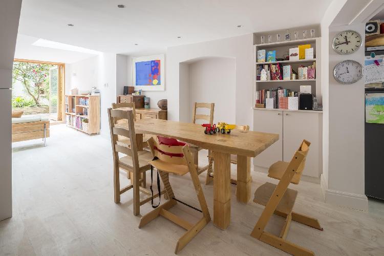 delightful London Vincent Terrace luxury apartment