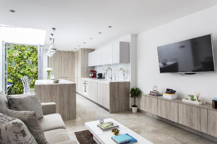 spacious yet cozy London Boston Place luxury apartment and holiday home