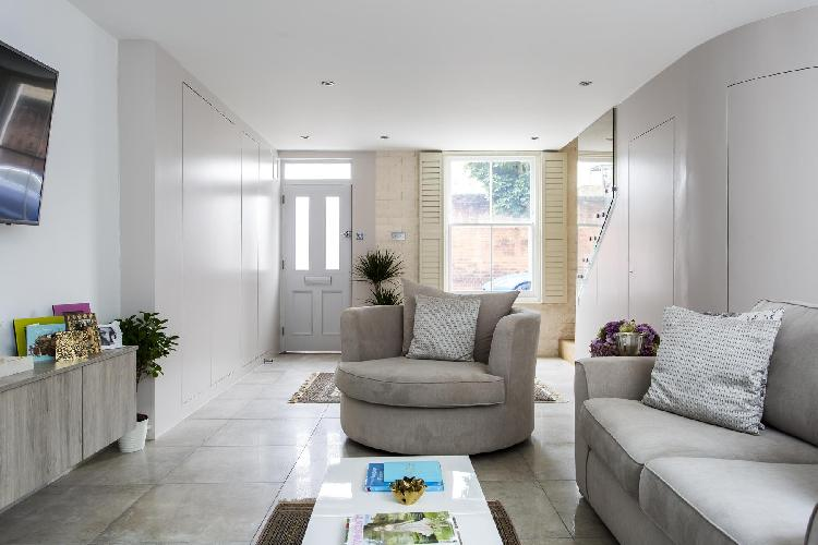 large yet snug London Boston Place luxury apartment and vacation rental