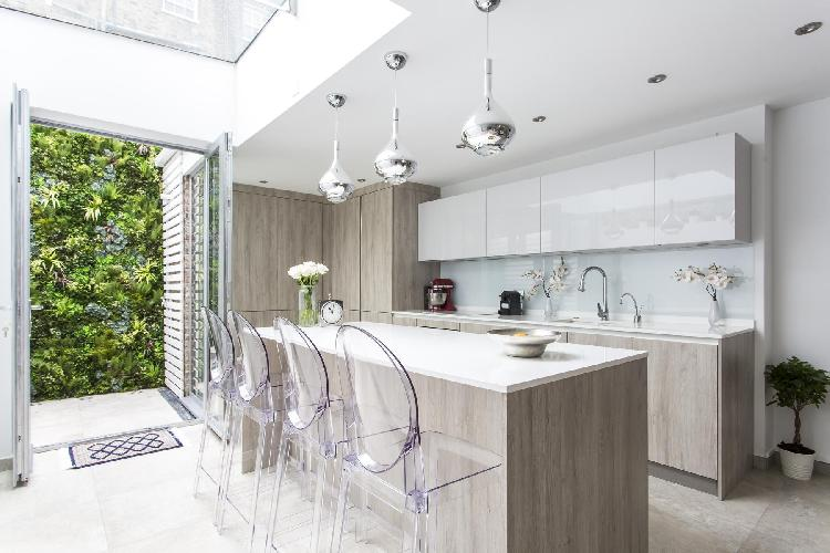 bright and breezy London Boston Place luxury apartment