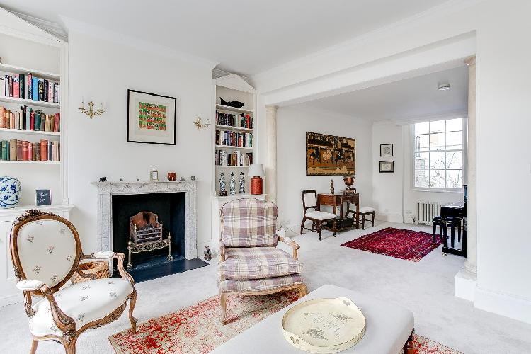 charming and chic cheery and chic London Cadogan Street III luxury apartment and vacation rental