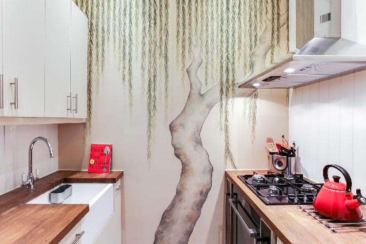 awesome kitchen with modern appliances in London Elm Park Gardens XIII luxury apartment
