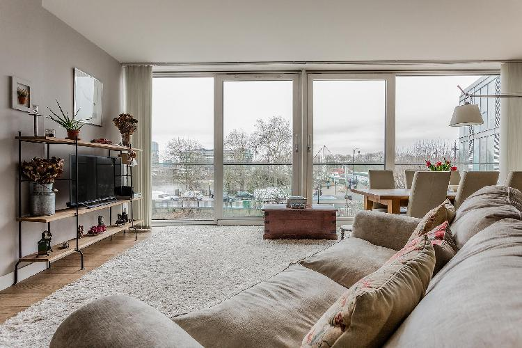 beautiful London Hirst Court luxury apartment and vacation rental