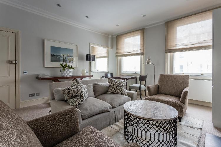 cozy sitting room of London Beaufort Street IV luxury apartment