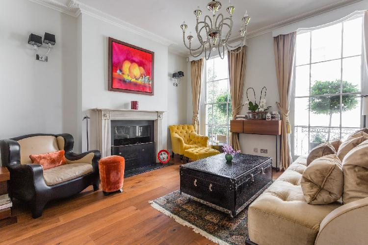 cheery and chic London Cadogan Place II luxury apartment