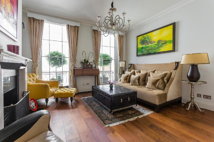 charming and chic London Cadogan Place II luxury apartment and holiday home
