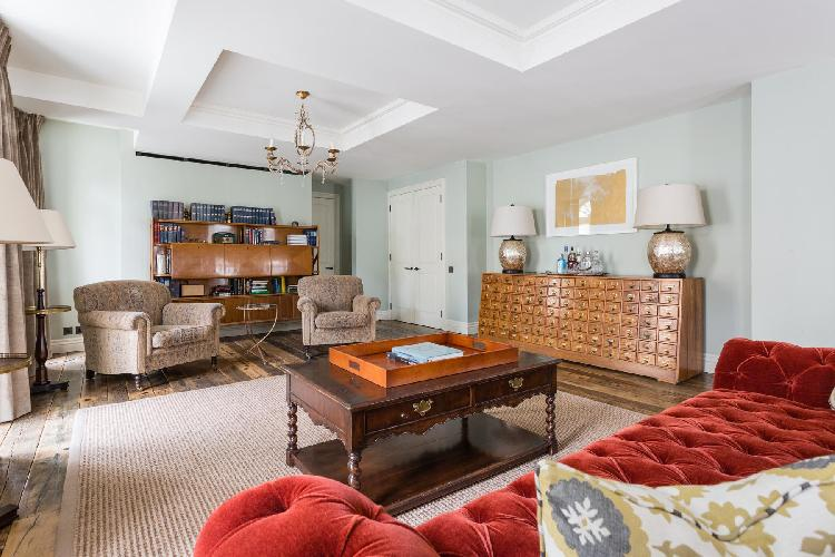 awesome coffered ceiling in London Curzon Street II luxury apartment