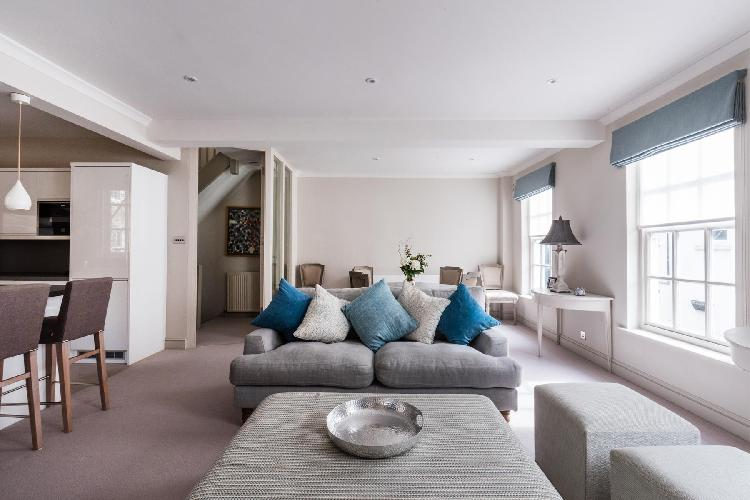 fully furnished London Kensington Park Mews luxury apartment
