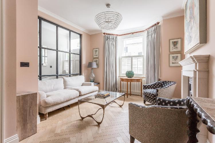 exquisite London Rigault Road luxury apartment and holiday home