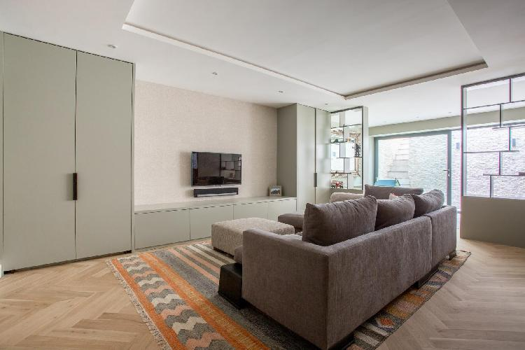 cool sitting room of London Rigault Road luxury apartment