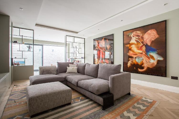 beautiful London Rigault Road luxury apartment and vacation rental