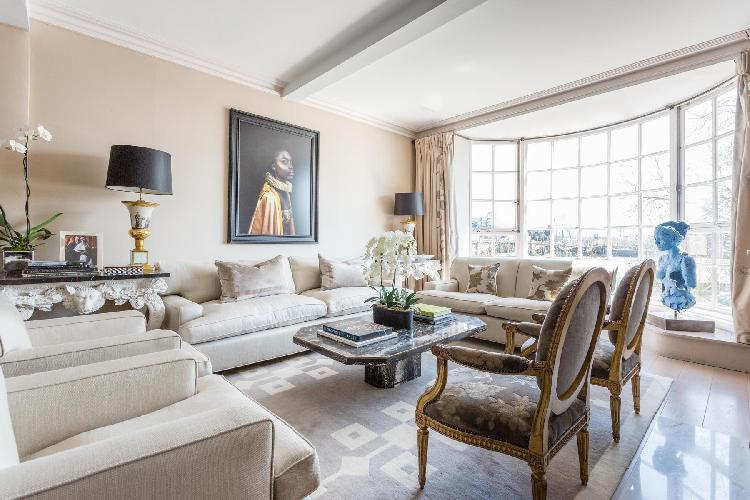 bright and breezy multilevel London Cheyne Walk VI luxury apartment and holiday home