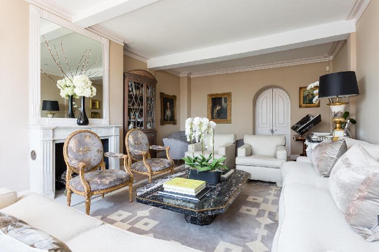 exquisite parlor furniture in London Cheyne Walk VI luxury apartment