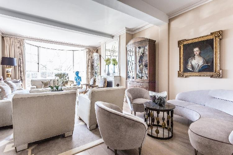 breezy and bright London Cheyne Walk VI luxury apartment and vacation rental