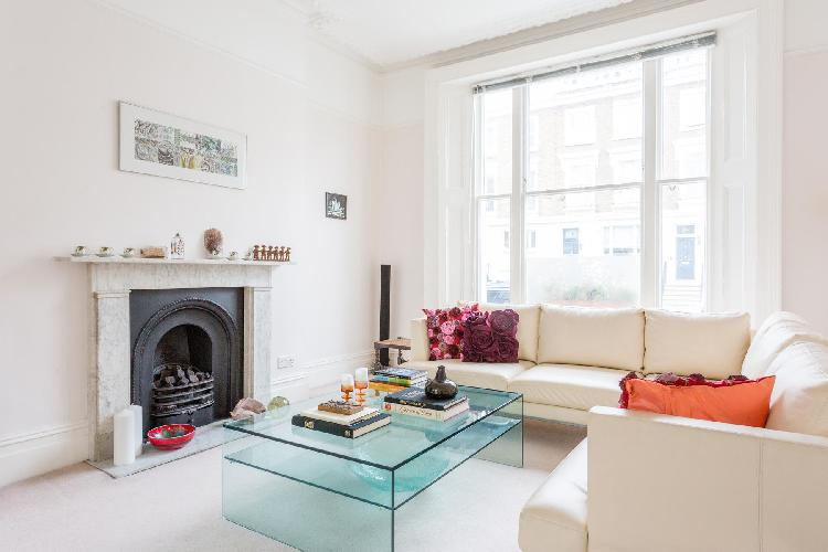 chic and cheery London Fitzroy Road luxury apartment and vacation rental