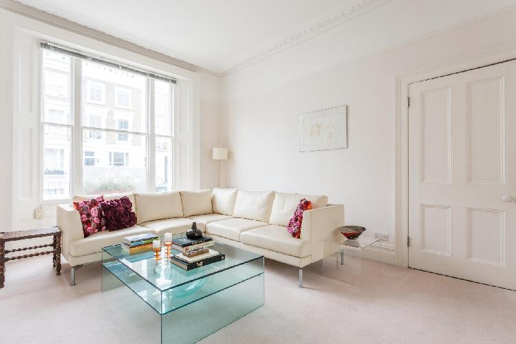 cheery and chic London Fitzroy Road luxury apartment and holiday home