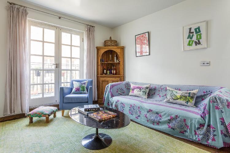 charming sitting room of London Rutland Mews South luxury apartment