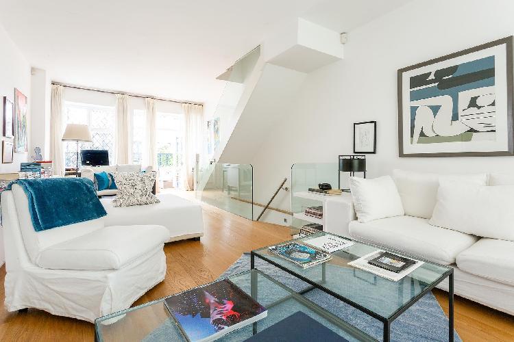 delightful London Canning Passage luxury apartment
