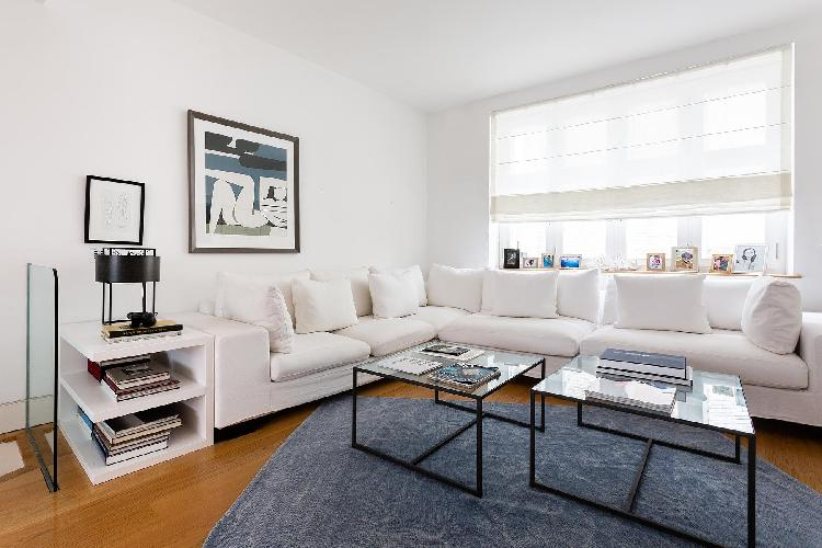 sunny and airy London Canning Passage luxury apartment and holiday home