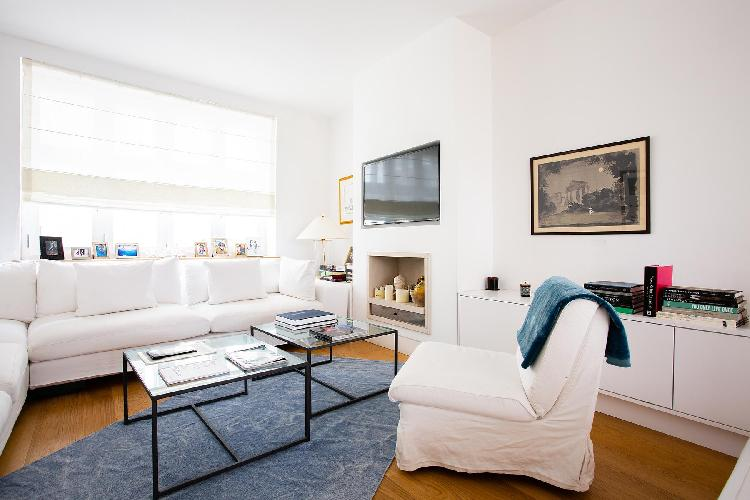 bright and breezy London Canning Passage luxury apartment and holiday home