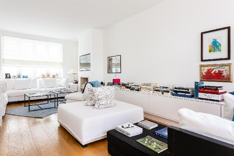 airy and sunny London Canning Passage luxury apartment and vacation rental